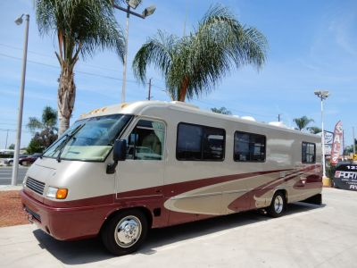 2005 Airstream Land Yacht 33
