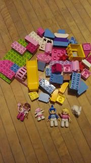 Duplo blocks with princess and doc characters