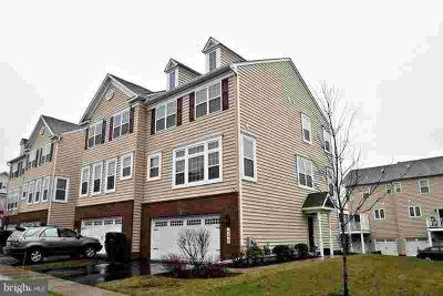 430 Williamson CT Lansdale Three BR, Three year new twin!!