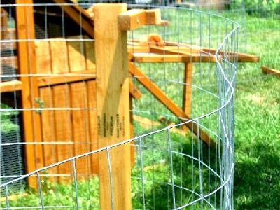 ON SALE- Portable Chicken fence and Garden Fence Posts with Bases ON SALE for Pittsburgh area