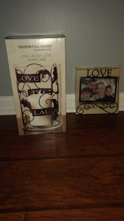 NIB Hurrican candle & picture frame