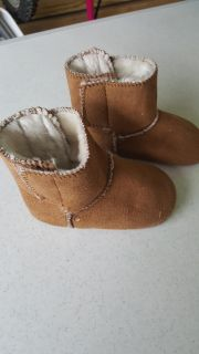 Baby girl size 5 fur boots