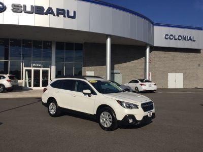 2018 Subaru Outback 2.5i (Crystal White Pearl)