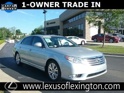 2011 Toyota Avalon XLS (Classic Silver Metallic)