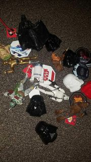 Star wars figures (excellant condition) and other star wars items. $3