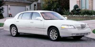 2003 Lincoln Town Car Signature (White)