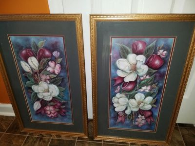 Blue / White / Home Interior / Floral 2 Piece Picture Set