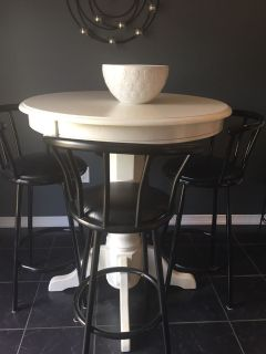 4 Black Bar Stools