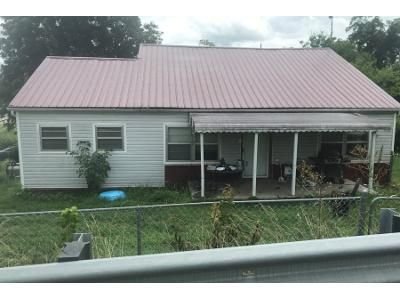 1 Bath Preforeclosure Property in Sweetwater, TN 37874 - Chestnut St