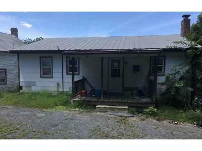 3 Bed 1 Bath Foreclosure Property in Waynesboro, PA 17268 - Prices Church Rd