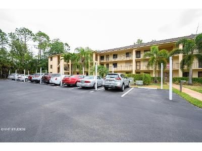 2 Bed 2 Bath Foreclosure Property in Naples, FL 34112 - Deauville Cir Apt D202
