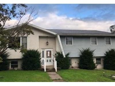 3 Bed 2.5 Bath Foreclosure Property in Scranton, PA 18505 - Winfield Ave