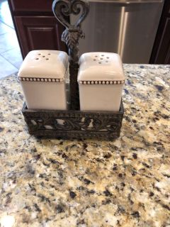 GG collection Salt and pepper set