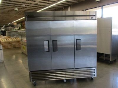 2016 True T-72F 3-Door S/S Reach-In Freezer RTR#8051519-38
