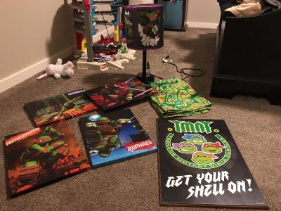 TMNT room decor lot. All for $30