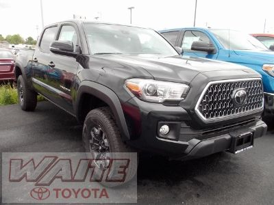 2018 Toyota Tacoma TRD Offroad (Midnight Black)
