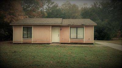 2 BDRM HOUSE FOR RENT WITH OR WITHOUT DEPOSIT