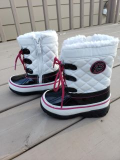 Totes kids toddler size 8 winter boots