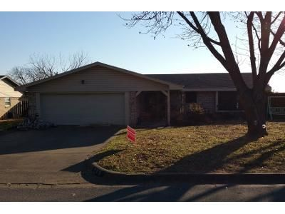 3 Bed 2 Bath Preforeclosure Property in Burkburnett, TX 76354 - Gayle St