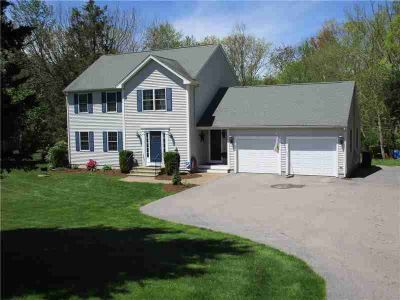 7 Teft CT HOPE VALLEY Three BR, Welcome Home to this 2003