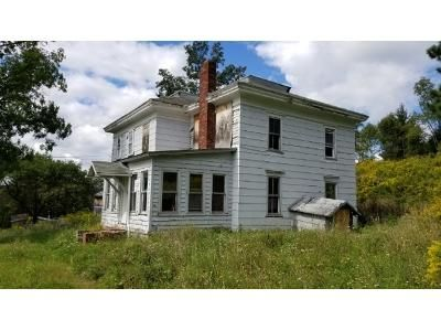 3 Bed 1 Bath Foreclosure Property in Whitney Point, NY 13862 - E Main St
