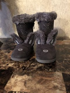 Girls bunny winter boots size 11