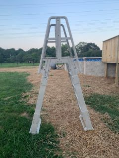 Brand new pool steps/ladder from Family Leisure $125
