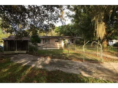 2 Bed 1.0 Bath Preforeclosure Property in Inverness, FL 34450 - E Joy Ln
