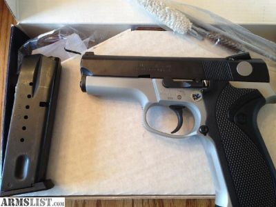 For Sale: Smith & Wesson 5943SSV
