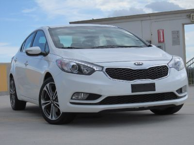 ** 2014 KIA FORTE EX BACKUP CAMERA/LIKE NEW **