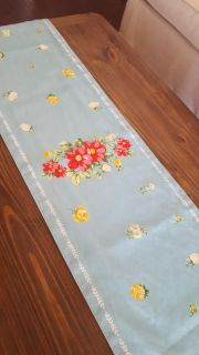 """The Pioneer Woman Vintage Floral Table Runner. 12"""" x 72"""" Reversible. Like New. See Pics For other Pattern."""