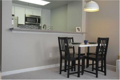 Recently Remodeled Oakland 2Bed 2Bath Unit