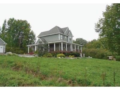 3 Bed 2.5 Bath Foreclosure Property in Granville, NY 12832 - Scenic Hill Way