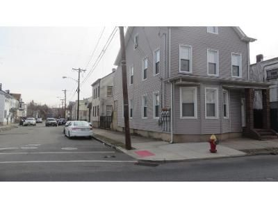 4 Bed 2 Bath Preforeclosure Property in Paterson, NJ 07522 - E Main St
