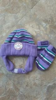 Baby girl hat and glove set