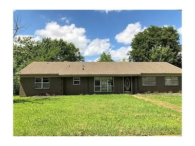 3 Bed 2 Bath Foreclosure Property in Tupelo, MS 38801 - Hampton Ave
