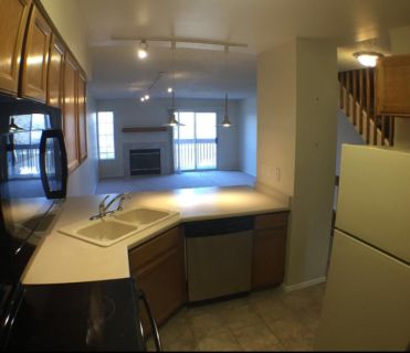 2 bedroom in Southeastern Denver