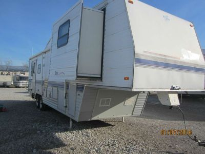 1996 Terry 305V Fifth Wheel