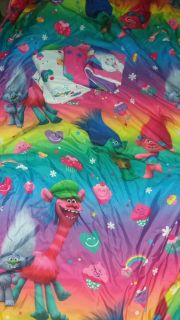 Everything needed for a Trolls bed. Reversible comforter, pillow case, fitted sheet, flat sheet. Just wash. Smoke free home twin/full