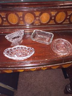 ANTIQUE CRYSTAL LITTLE DISHES