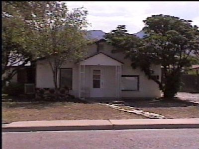 1208-A Utilities PAID! 2 Bedroom 1 bath , Kitchen , Living area. PET OK on approval