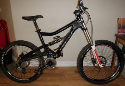 $1,899 OBO **Price Reduced!!** Santa Cruz Bullit Large with RockShox Boxxer World Cup fork
