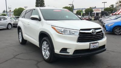 2016 Toyota Highlander LE (Blizzard Pearl)