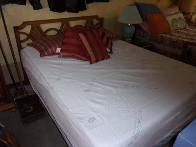 Queen Size Bed Set