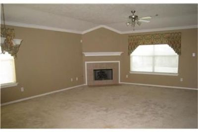 3 bedrooms, $1,550/mo, Spring - must see to believe. Washer/Dryer Hookups!