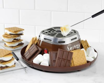 LOOKING FOR A S'MORES MAKER