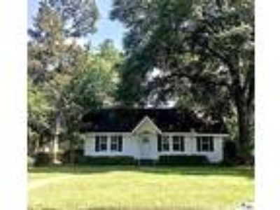Monroe Real Estate Home for Sale. $175,000 3bd/One BA. - Susan Simoneaux of