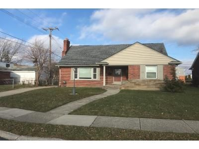 1 Bath Preforeclosure Property in Eastpointe, MI 48021 - Lincoln Ave