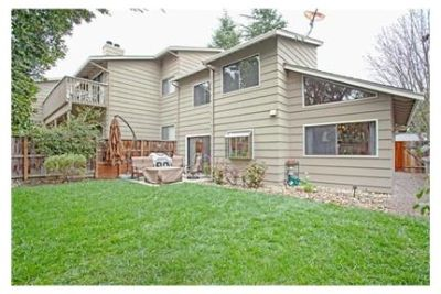 Spacious floor plan with updated and tastefully decorated interiors. Parking Available!