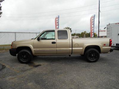 2004 Chevrolet Silverado 1500 Work Truck (Sandstone Metallic)